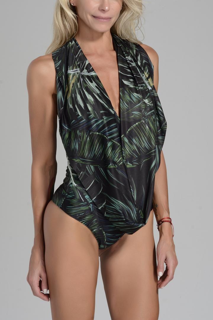 enteriza modelo Margot hojas verdes