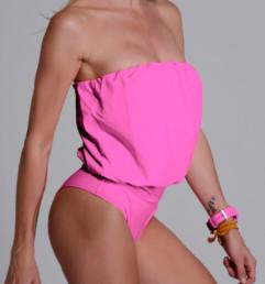 Malla enteriza modelo Eva color rosa chicle